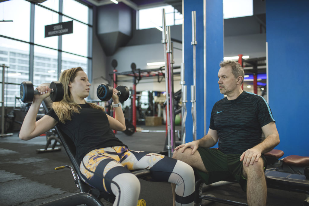 WHY A MAN PERSONAL TRAINER IS BETTER THAN WOMAN?