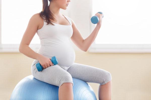 Lekkie ćwiczenia w czasie ciąży