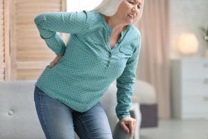 Doskwierający ból kręgosłupa
